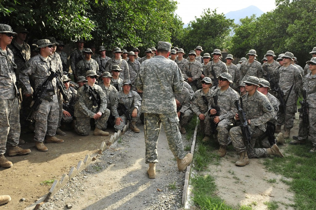 Gen. Petraeus talks with U.S. soldiers at Combat Outpost Monti in eastern Afghanistan on August 5, 2010
